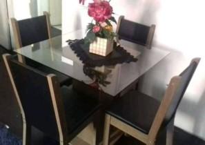 Conjunto de mesa de jantar com 4 cadeiras estofadas – Madesa Aline